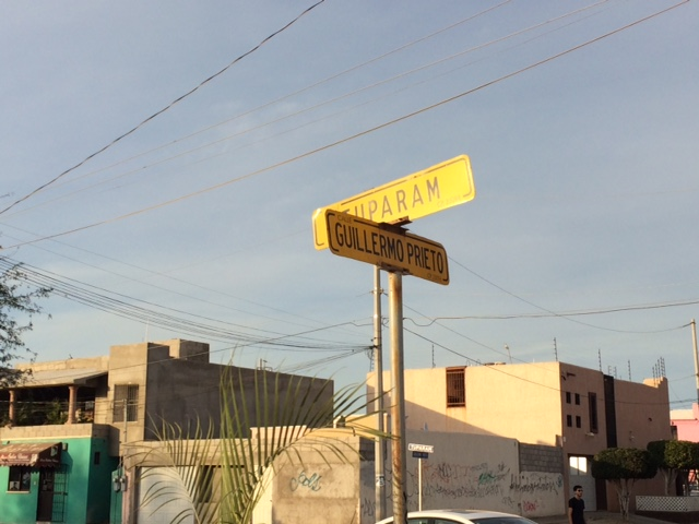 street sign.JPG - 92kB