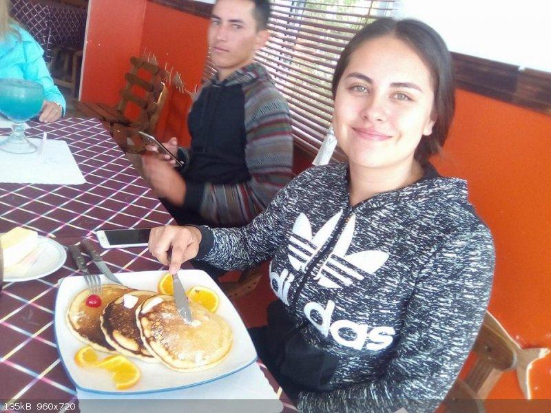 Aylin and her delish pancakes.jpg - 135kB