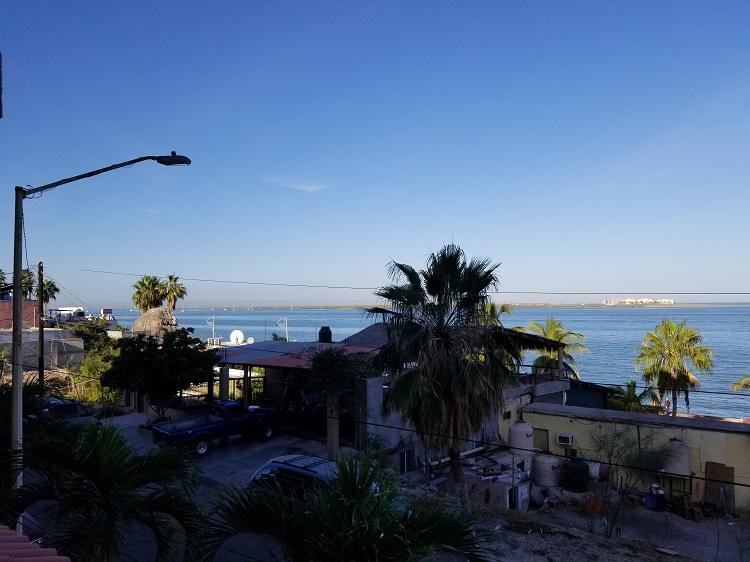 La Paz Marina.jpg - 132kB