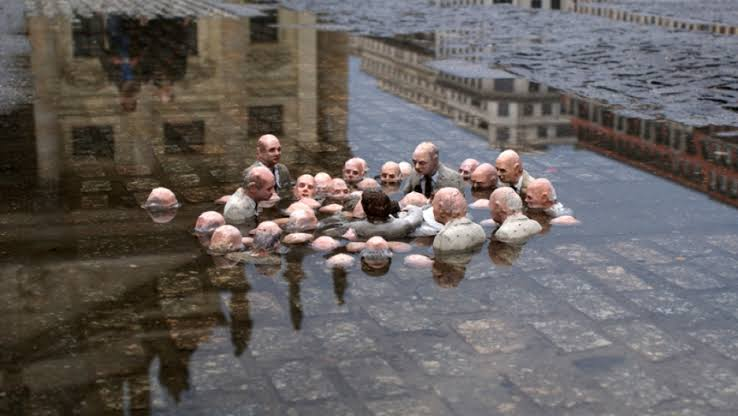 politicians under water.jpeg - 32kB