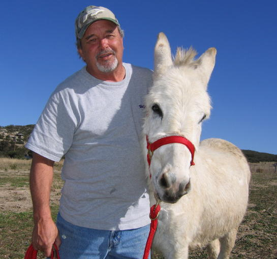 Mike and Burro.jpg - 49kB